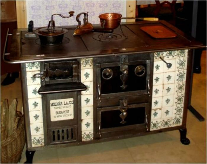 Как стирали, убирали и готовили женщины в прошлом веке (11 фото)