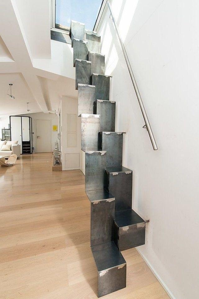Лестницы, на которых черт ногу сломит (14 фото)
