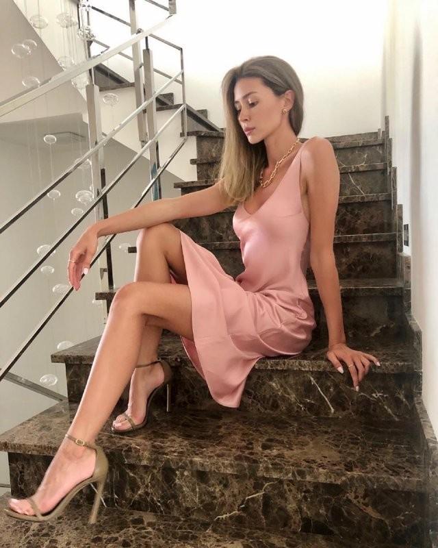 Посмотрите, как выросла дочь Анастасии Заворотнюк - Анна (11 фото)
