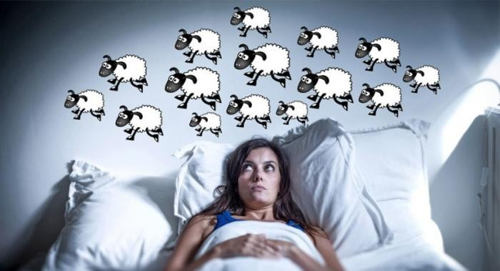 Простые способы, помогающие заснуть (2 фото)