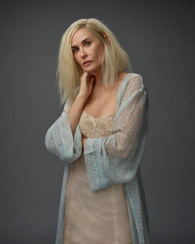 Деми Мур стала блондинкой (16 фото)