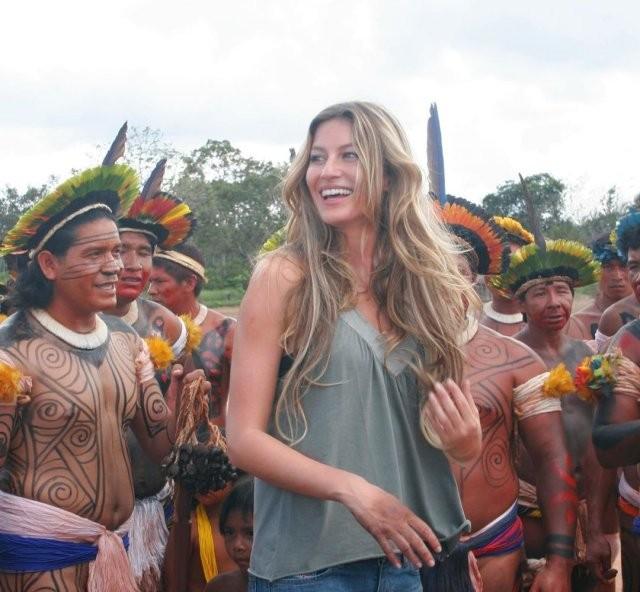 Бразильская супермодель сегодня празднует 40-летие (20 фото)