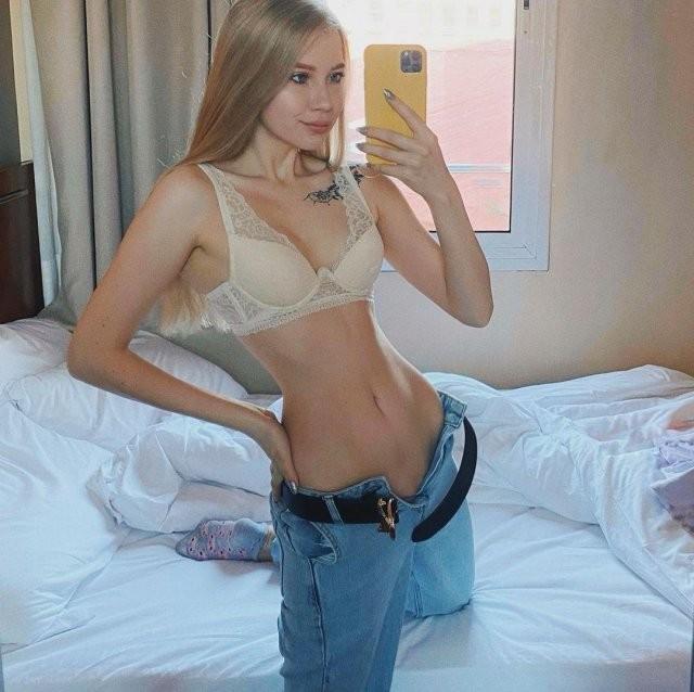Лина Sunspot— девушка-блогер, с узкой талией (15 фото)