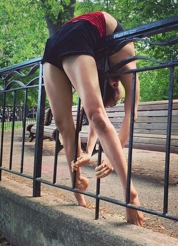 Очень гибкие девушки (36 фото)