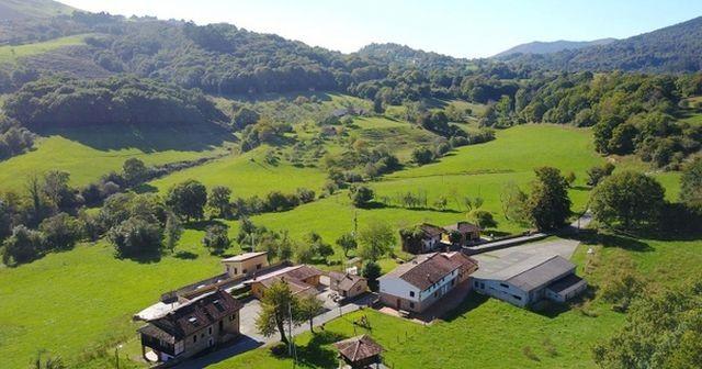 В Испании выставили на продажу целую деревню по низкой цене (5 фото)