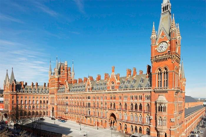 Вокзалы, ставшие достопримечательностями (6 фото)