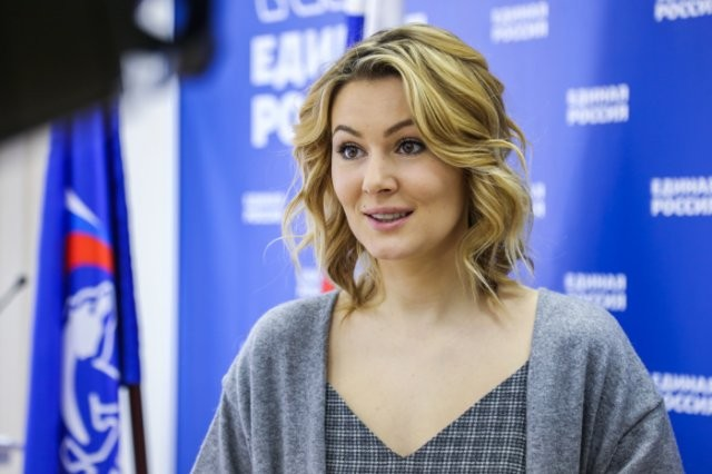 Из шоу-бизнеса в политику: Канье Уэст, Алина Кабаева (10 фото)