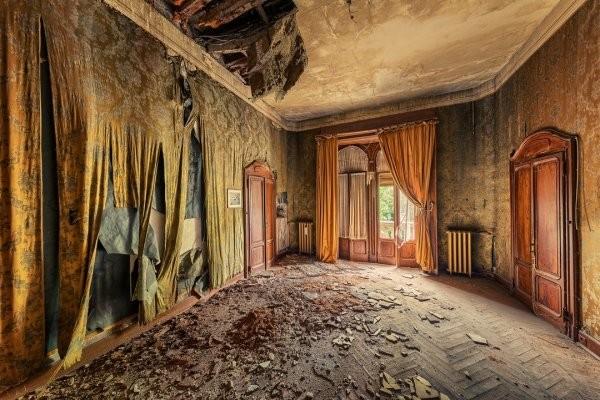 Атмосферные снимки заброшенных локаций немецкого фотографа (25 фото)