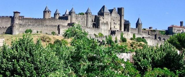 Самые впечатляющие города-крепости по всему миру (8 фото)