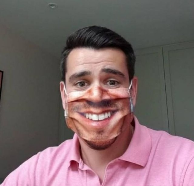 Забавные фейлы с масками, имитирующими лицо (14 фото)