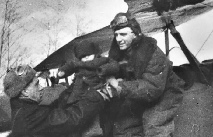 Подвиг советского лётчика, спасшего детей в горящем самолёте (5 фото)