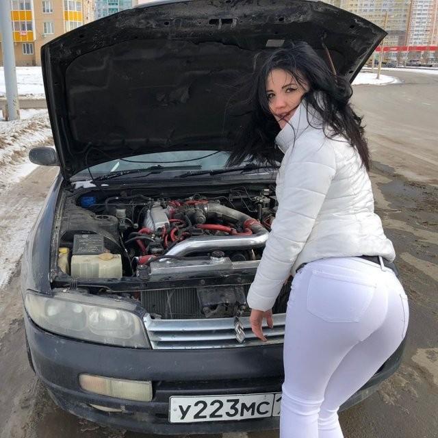 Настя Туман - автомеханик, который починит вашу машину (16 фото)
