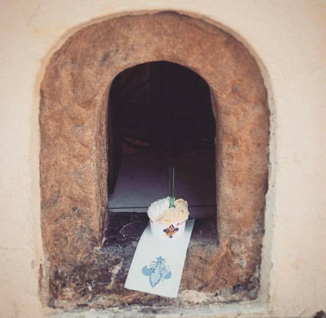 """Из-за коронавируса в Тоскане вернулись к """"чумным"""" традициям (5 фото)"""