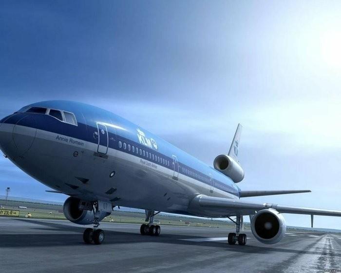 Для чего нужна «труба» на хвосте реактивного самолета (4 фото)