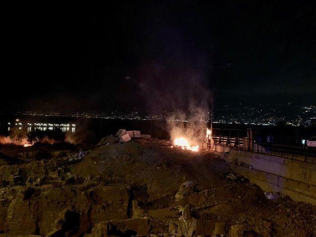 Что происходит в Бейруте: захват МИДа Ливана (6 фото)