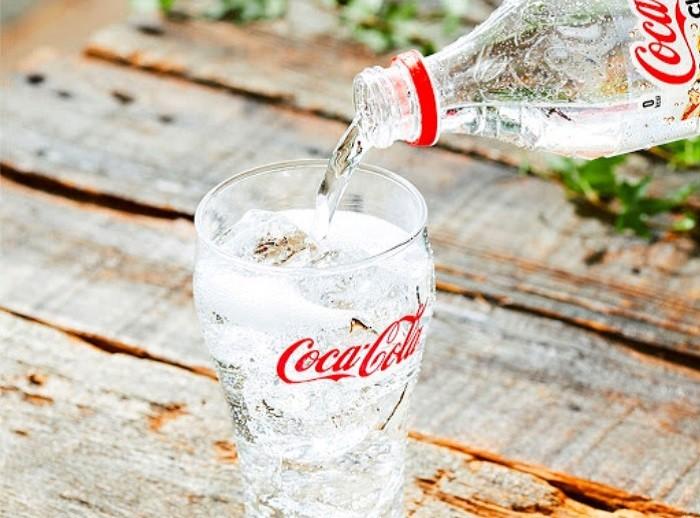 История появления в Советском Союзе бесцветной «Кока-Колы» (6 фото)