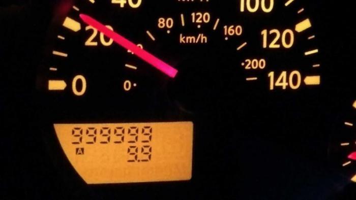 Водитель Nissan Frontier с пробегом более 1 млн миль получил грузовик