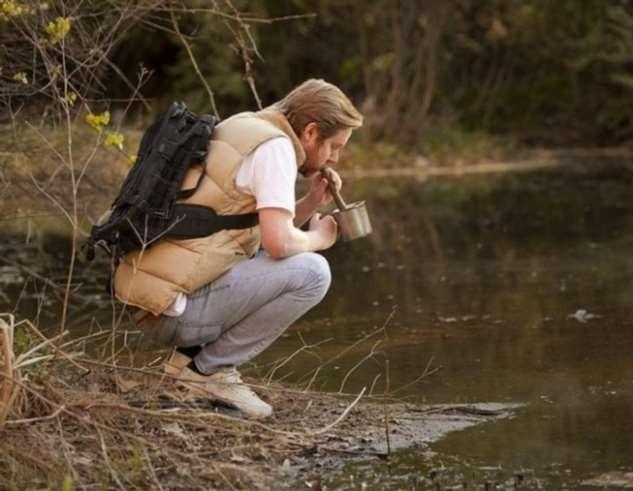 Ни в коем случае не делайте этого, если вы заблудились в лесу (6 фото)