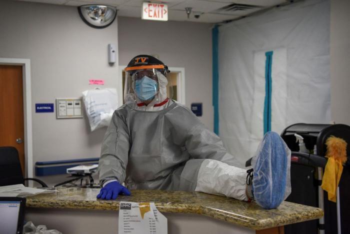 Как выглядит ковидный госпиталь в США (15 фото)