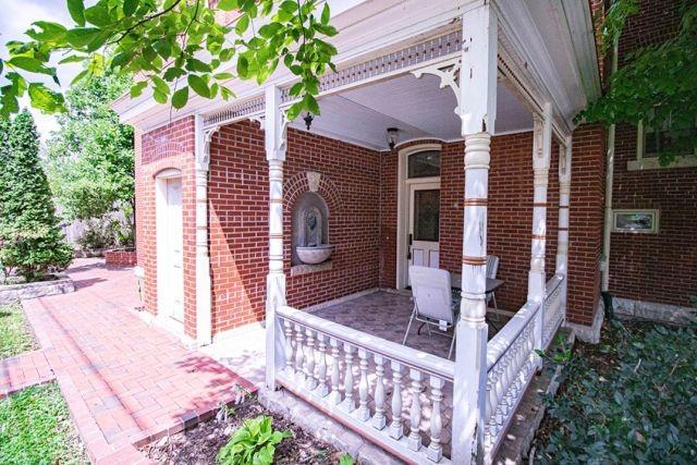 В США выставили на продажу дом со зловещим сюрпризом (20 фото)