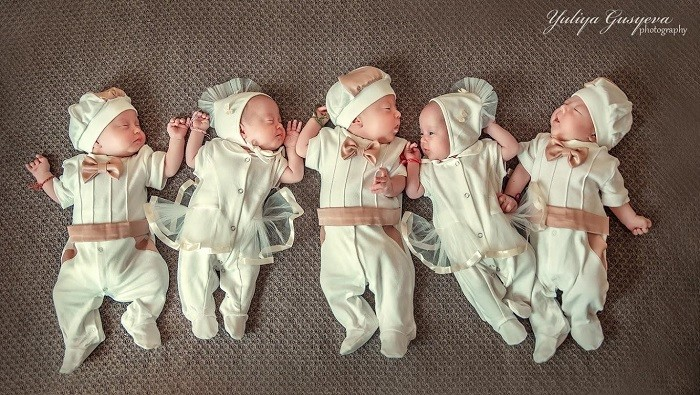 Истории семей, где родилось 5 детей сразу (5 фото)