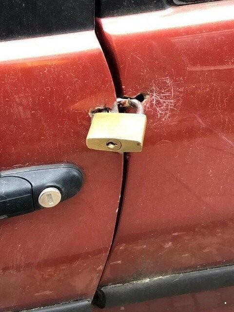"""Когда за дело берутся """"настоящие мастера"""" по ремонту машин (15 фото)"""