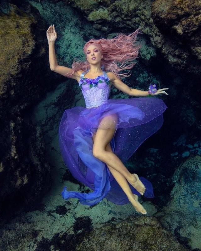 Ханна Фрейзер - настоящая русалка, которая вышла из моря (15 фото)