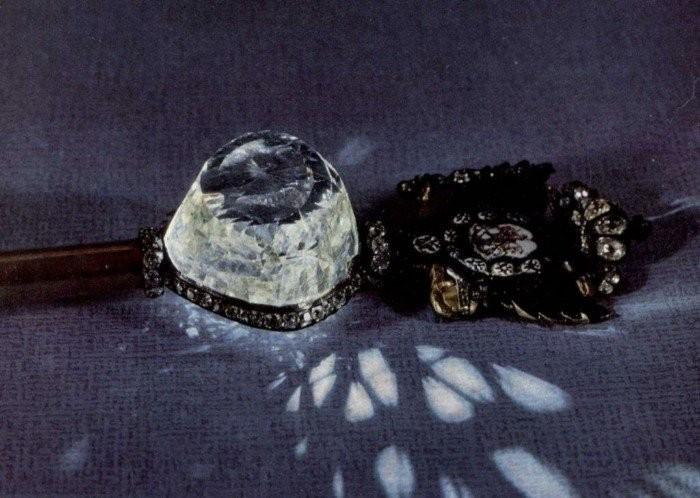 Загадочная история бриллианта «Орлов» (10 фото)