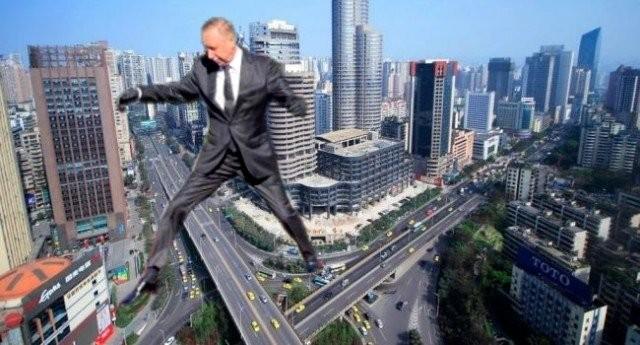 Губернатор Петербурга Александр Беглов перепрыгнул клумбу и вновь стал мемом (20 фото)