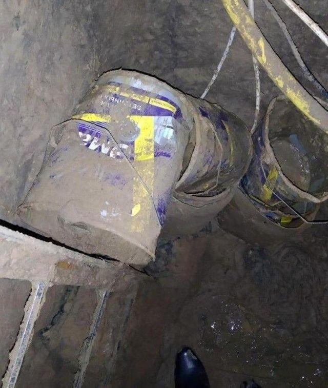 Побег из Шоушенка по-дагестански: шесть заключенных вырыли тоннель и сбежали из тюрьмы (6 фото)