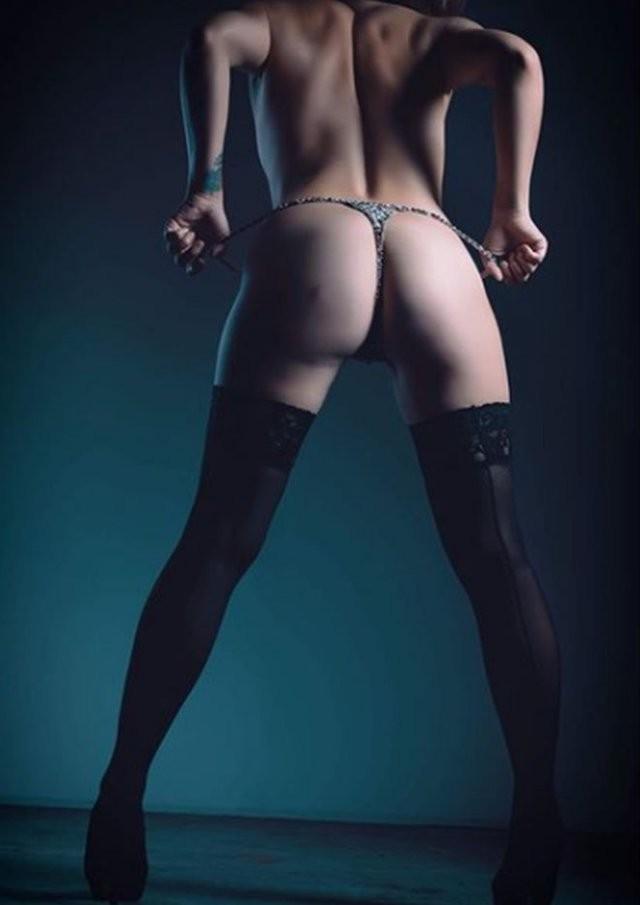 Николь Митчелл: бисексуальная пастор, ставшая стриптизершей (15 фото)