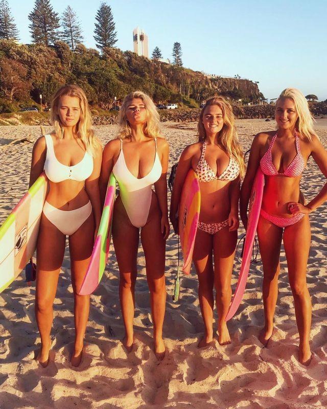 Серфингистки Элли-Джин и Холли-Дейз Коффи покорили Instagram горячими фото (21 фото)
