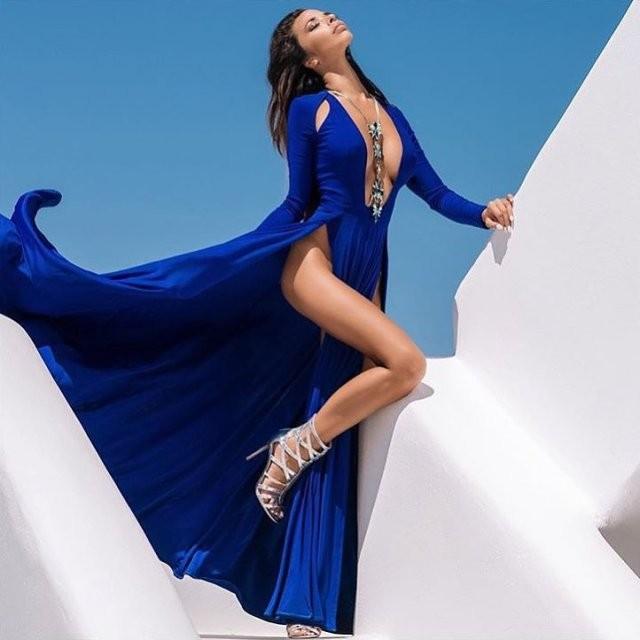 Платья с высокими разрезами (19 фото)