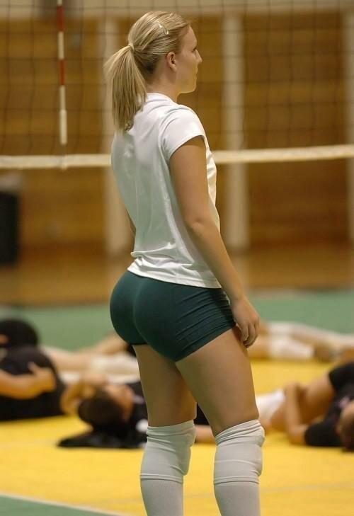 Очаровательные волейболистки (25 фото)