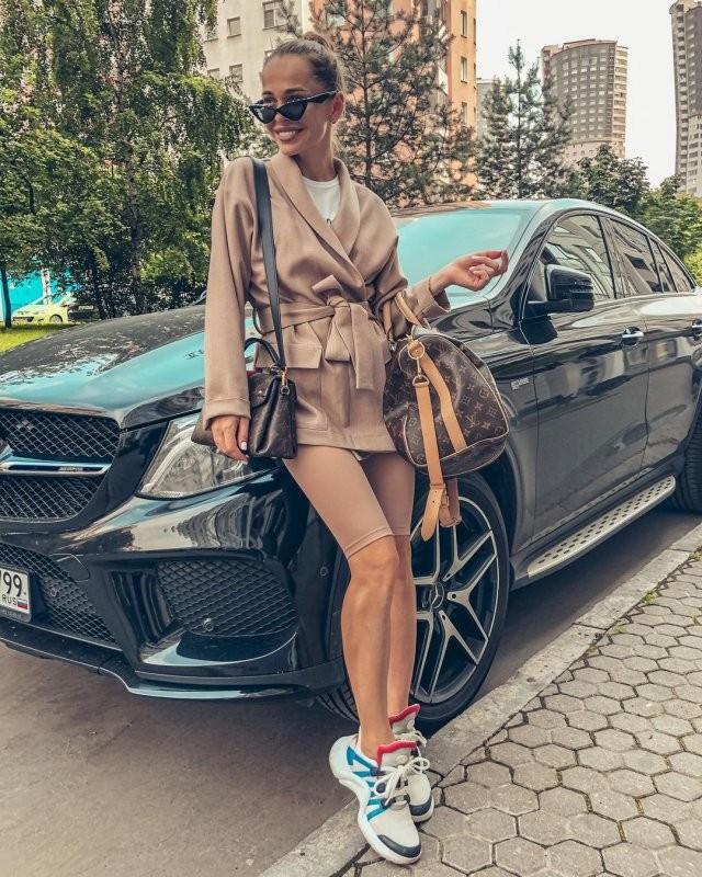 """Анна Хилькевич отмечает 34-летие! Красотка из """"Универа"""", которая стал блогером (17 фото)"""