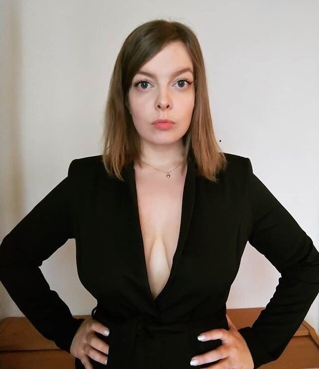 Премьер-министр Финляндии Санна Марин выложила нескромное фото и ее тут же поддержали сограждане (15 фото)