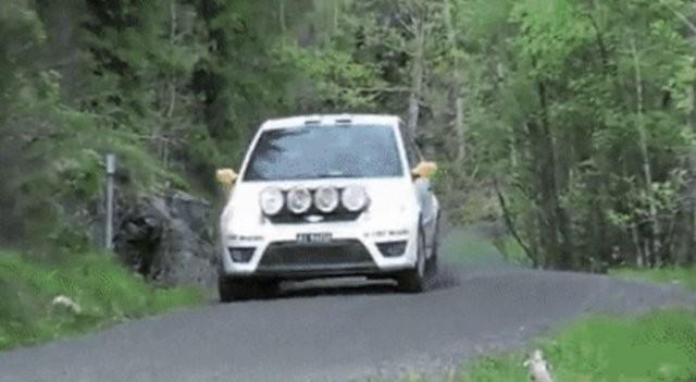 Подборка автомобильных фейлов и трюков (15 гифок)