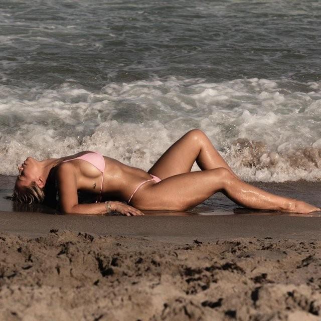 Пейдж Ванзант - боец MMA, которая получила деньги за интимные фото, но отказалась их отправлять (16 фото)