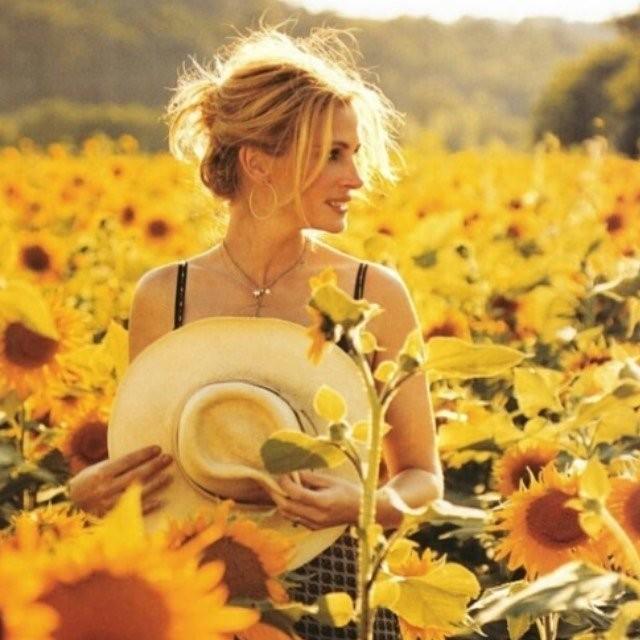 """Джулия Робертс так и осталась """"красоткой"""", несмотря на 53 года (14 фото)"""
