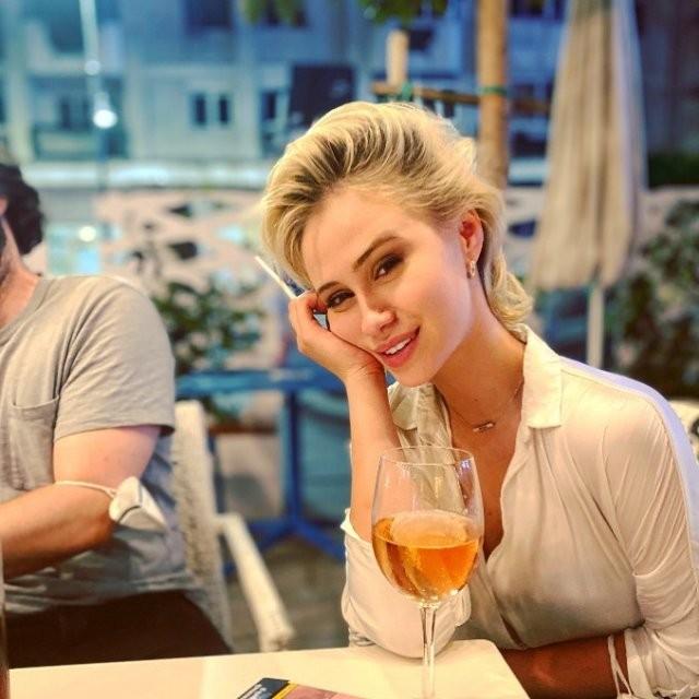 Мария Бакалова - актриса, сыгравшая дочь Бората в новом фильме (15 фото)