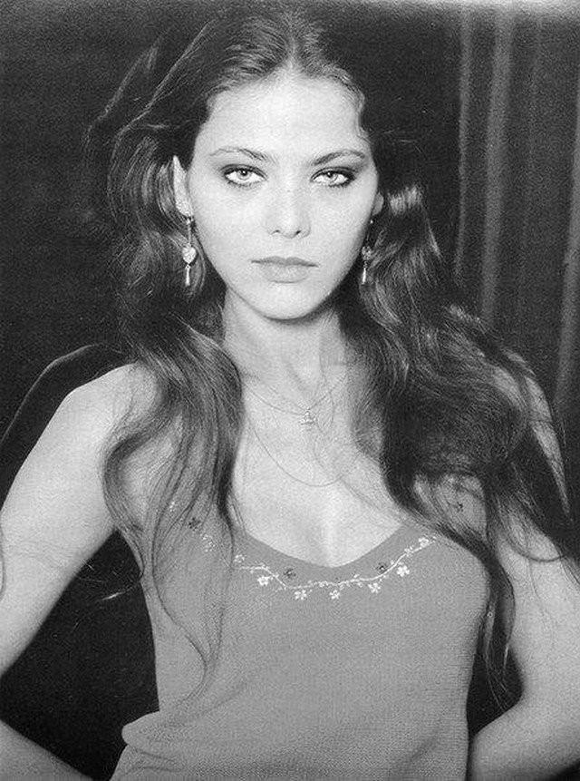 Красивые девушки прошлого (15 фото)