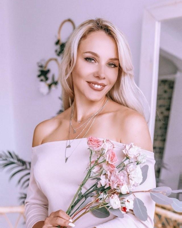 """Валерия Тулаева - блогер, которая стала """"Миссис Санкт-Петербург-2020"""" (15 фото)"""