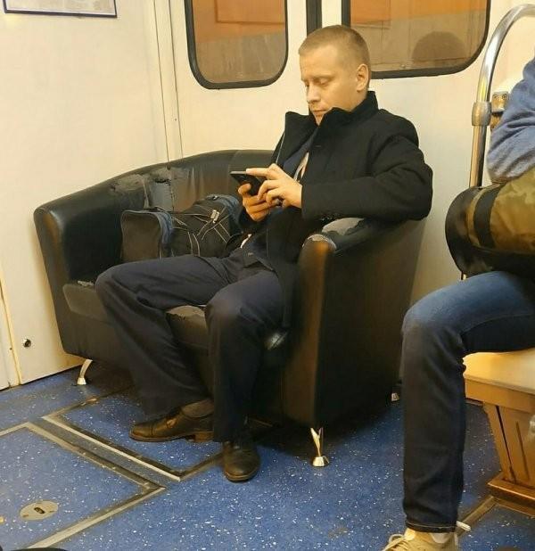 Чудаки и модники из метро (20 фото)