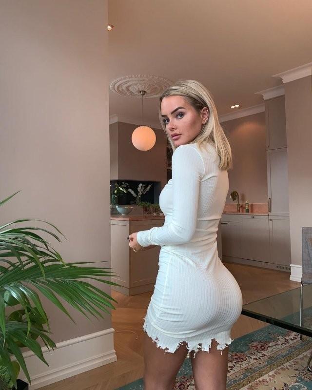 Певица Софи Элиз из Осло получила грудные импланты, вместо ягодичных (15 фото)