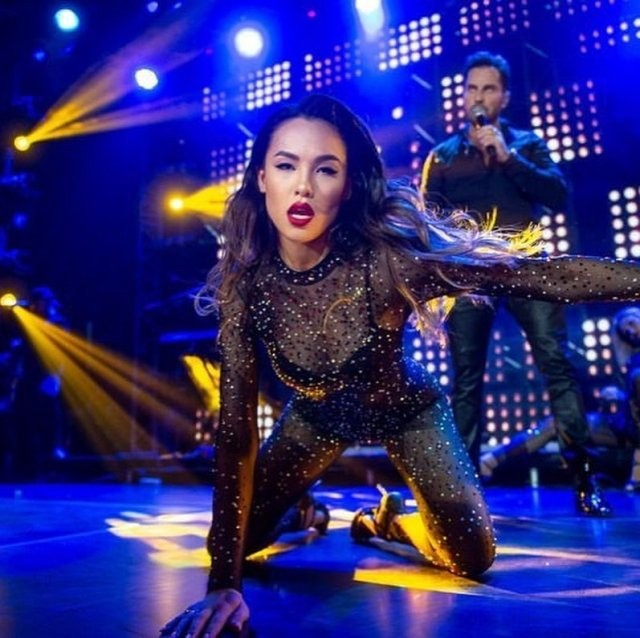 Кондыбаева Азиза - новая королева танцев (15 фото)