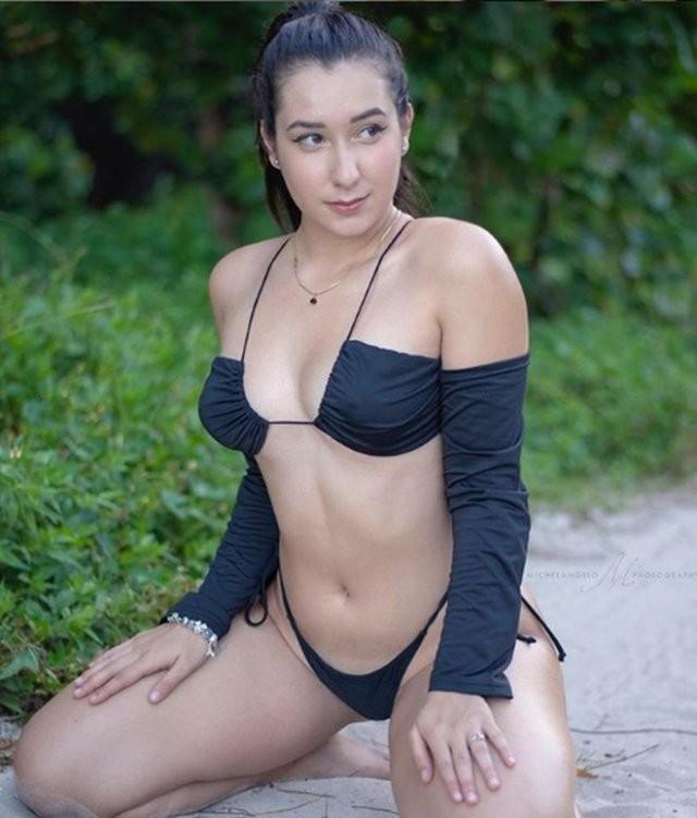 Дезире Гато (Desiree Gato) - девушка, зарабатывающая более 10 тысяч долларов на фотографиях ступней (15 фото)