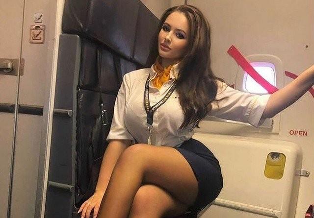 Новые засветы 27.11.2020: Стюардессы, с которыми не страшно отправиться в любой полет (15 фото)