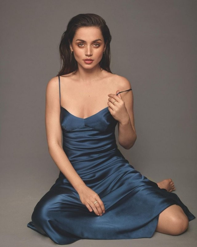 Ана де Армас - любовь Бена Аффлека и самая популярная актриса 2020 года (15 фото)