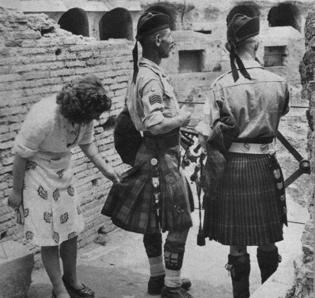 Яркие черно-белые кадры прошлого (15 фото)