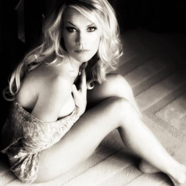 Актриса Керри Хоскинс повторила образ Сони Блейд 25 лет спустя (17 фото)